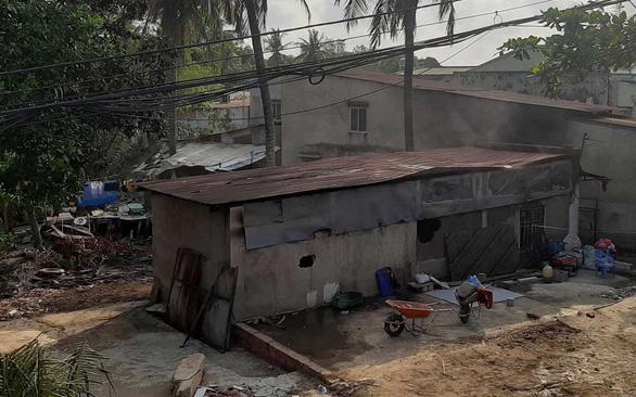 Hiện trường vụ cháy nhà khiến 6 người tử vong thương tâm ở TP.HCM - Ảnh 9