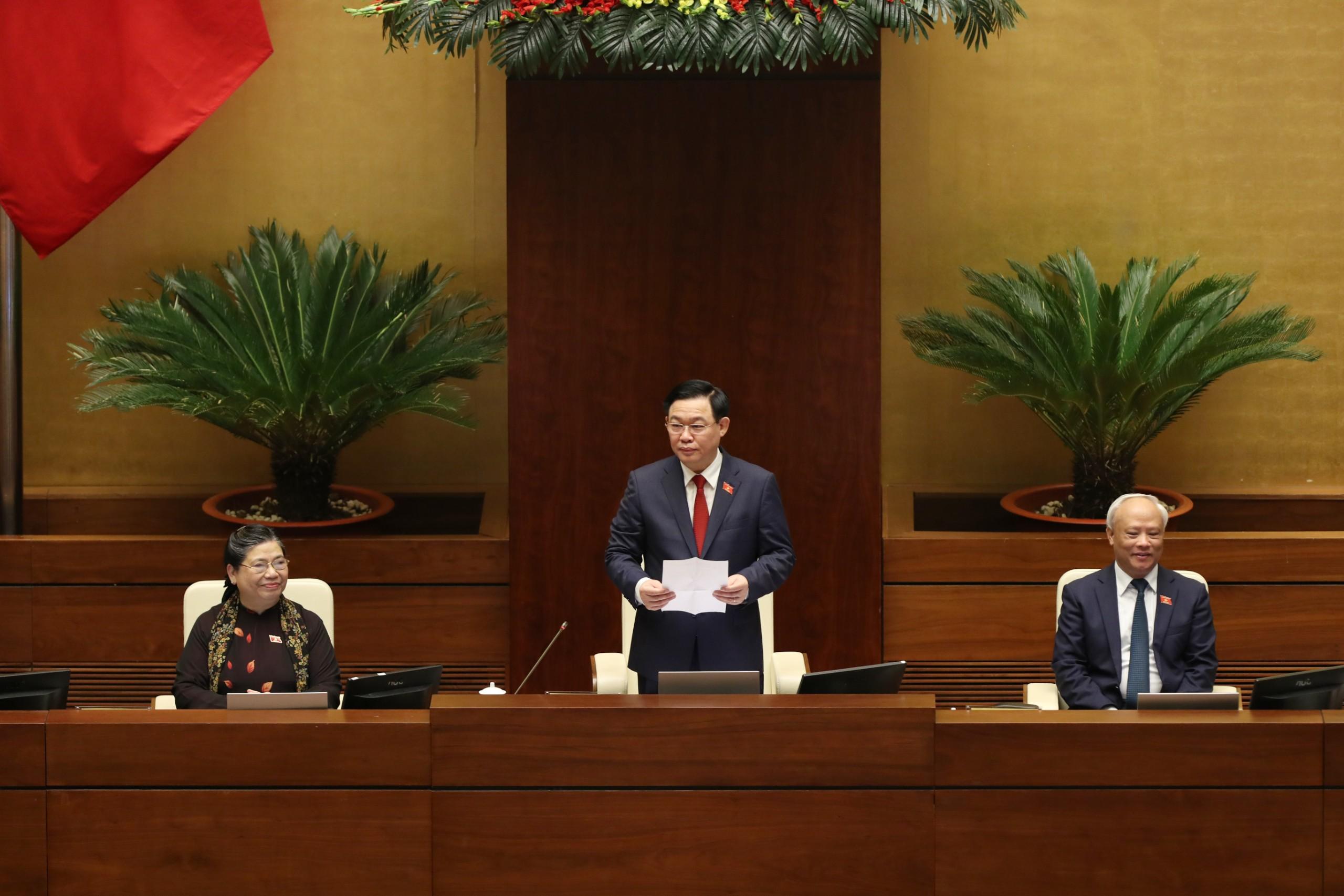 Chùm ảnh: Tân Chủ tịch Quốc hội tuyên thệ nhậm chức, điều hành phiên họp - Ảnh 7
