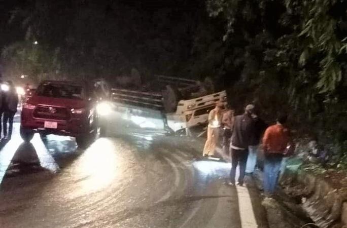Tai nạn giao thông trên đèo Bảo Lộc, 2 nữ sinh tử vong - Ảnh 2
