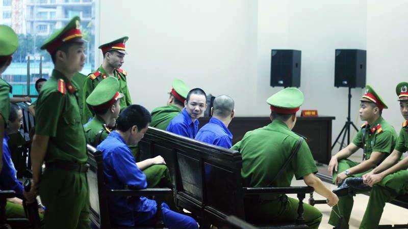 """""""Tử tù vượt ngục"""" Nguyễn Văn Tình hầu tòa - Ảnh 1"""