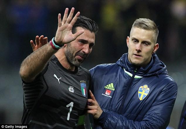 Italia mất vé dự World Cup 2018: Buffon bật khóc nức nở - Ảnh 3