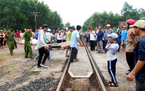 """Phó Thủ tướng yêu cầu xử lý nghiêm vụ """"tai nạn đường sắt, 4 người chết"""" - Ảnh 1"""