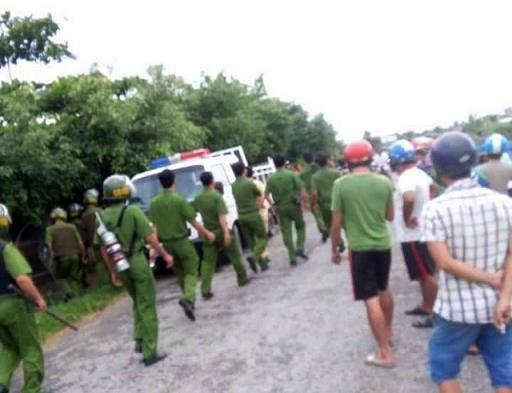 Hàng trăm cảnh sát truy tìm 50 học viên phá rào, trốn trại cai nghiện - Ảnh 1