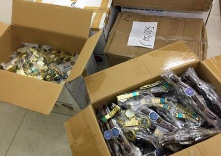 Hà Nội: Thu giữ hơn 10.000 đồng hồ đeo tay không rõ nguồn gốc tại phòng trọ - Ảnh 1