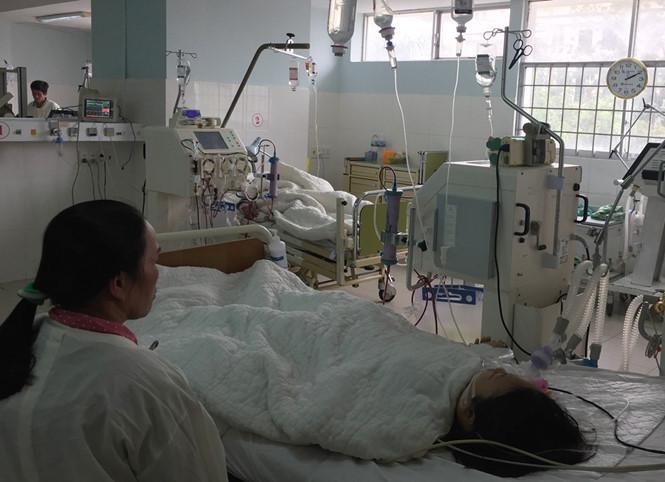 Bé gái 14 tuổi bị suy thận, gan nghi do uống trà sữa - Ảnh 1