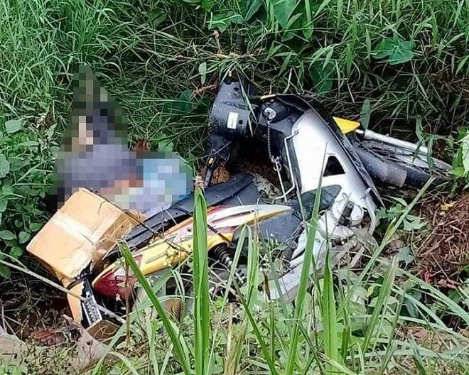 Tin tai nạn giao thông mới nhất ngày 22/11/2018: Tá hỏa thấy thi thể người bên vệ đường cùng xe máy - Ảnh 1