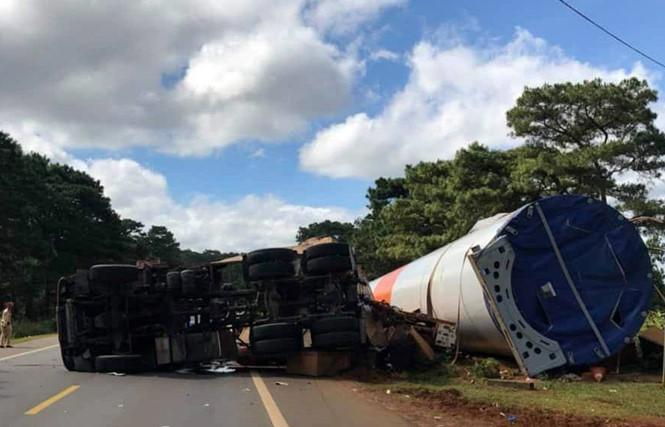 Tin tai nạn giao thông mới nhất ngày 1/12/2018: Xế sang Range Rover tông chết nữ hiệu trưởng rồi bỏ chạy - Ảnh 3