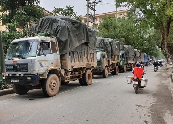 """Triệt phá đường dây buôn lậu """"khủng"""" ở Lạng Sơn, thu giữ 100 tấn hàng - Ảnh 2"""