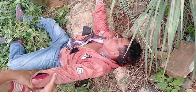 Bác nông dân quật ngã tên cướp đang lao xe về phía mình - Ảnh 1
