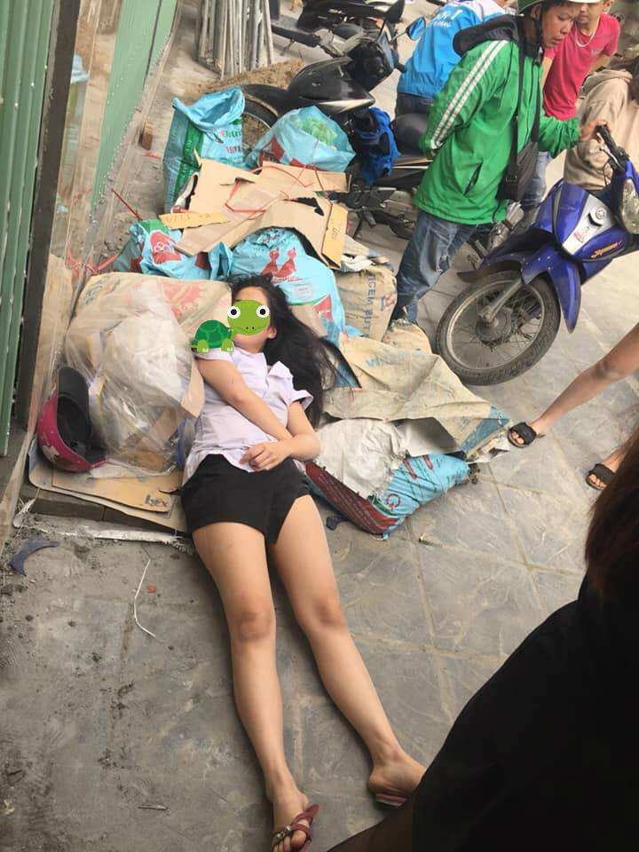 Hà Nội: Nghi án nữ nhân viên thẩm mỹ viện bị đánh ghen đến ngất xỉu giữa phố - Ảnh 1