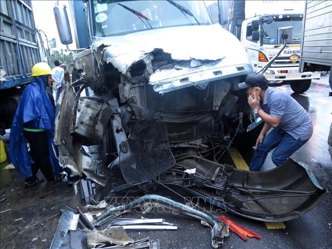 Tin tai nạn giao thông mới nhất ngày 25/12/2018: Đôi nam nữ đi xe tay ga gặp nạn khi đổ đèo Tam Đảo - Ảnh 2