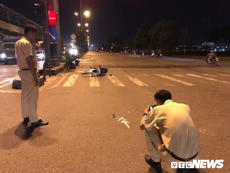 Tin tai nạn giao thông mới nhất ngày 9/12/2018: Đi chơi về khuya, 2 thanh niên thiệt mạng sau tai nạn thảm khốc - Ảnh 1