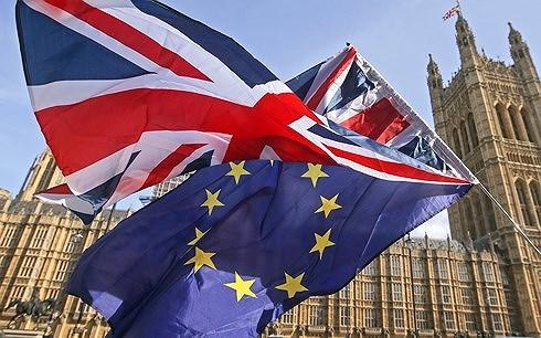 Anh và EU đạt thỏa thuận mới về chuyển giao hậu Brexit - Ảnh 1