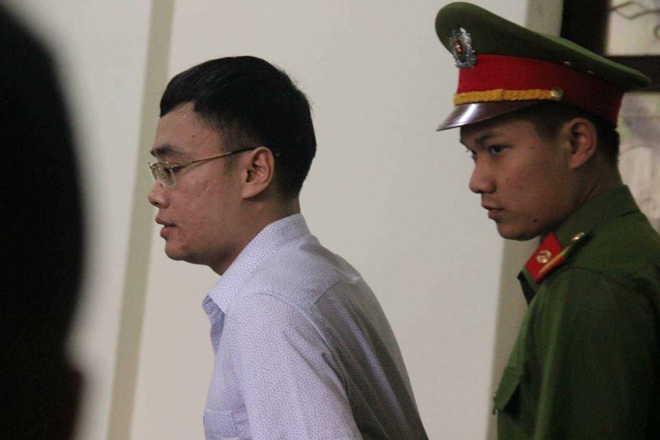 Cựu nhà báo Lê Duy Phong bị tòa Yên Bái phạt 3 năm tù - Ảnh 1