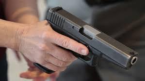 Nhậu xong thử súng tự chế, 1 người tử vong - Ảnh 1