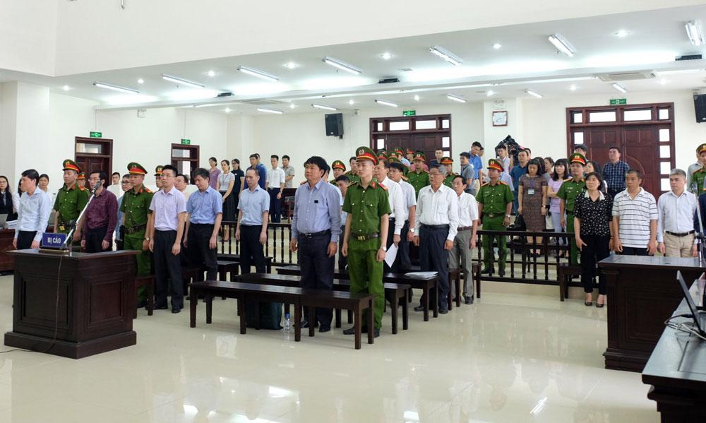 Viện kiểm sát đề nghị bác kháng cáo của ông Đinh La Thăng - Ảnh 1