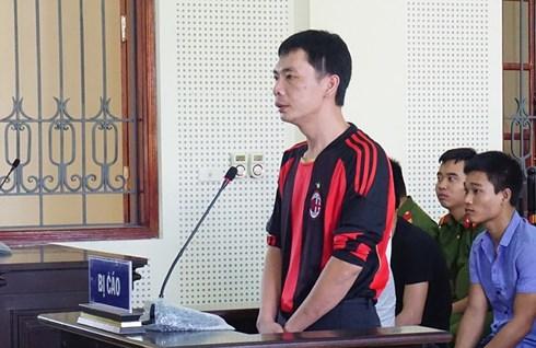 Nỗi lòng người mẹ mù trong phiên tòa xử con trai có hành vi hại người - Ảnh 1