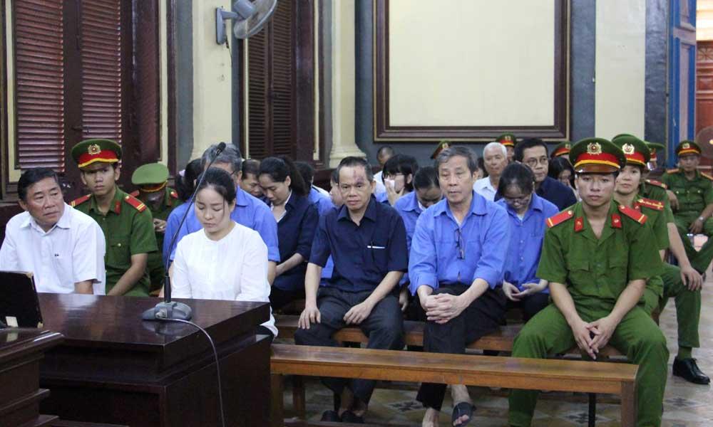 Đại án TrustBank: Bà Hứa Thị Phấn lãnh 30 năm tù - Ảnh 1