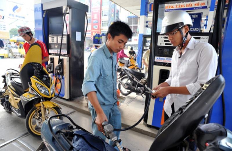 Giá xăng dầu bất ngờ đồng loạt giảm - Ảnh 1
