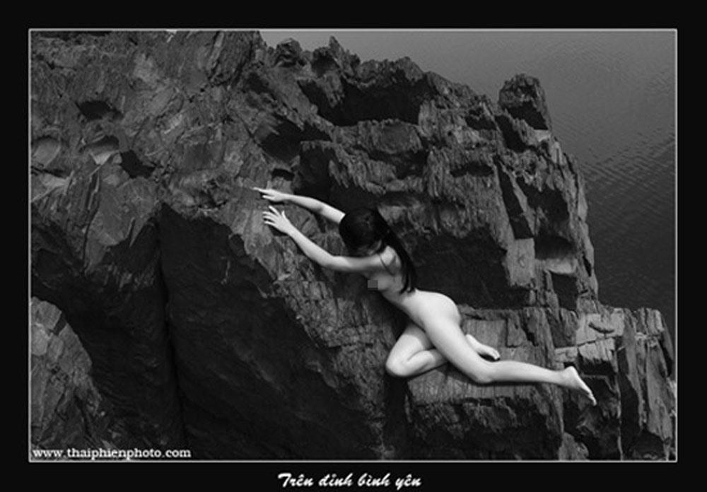 Ngắm những tác phẩm trong triển lãm ảnh nude nghệ thuật đầu tiên tại Hà Nội - Ảnh 7