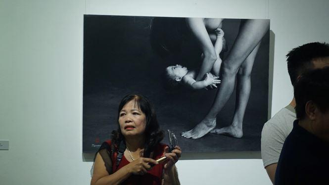 Ngắm những tác phẩm trong triển lãm ảnh nude nghệ thuật đầu tiên tại Hà Nội - Ảnh 1