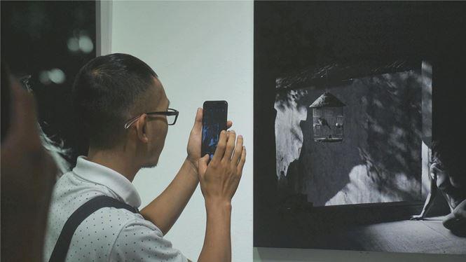 Ngắm những tác phẩm trong triển lãm ảnh nude nghệ thuật đầu tiên tại Hà Nội - Ảnh 2