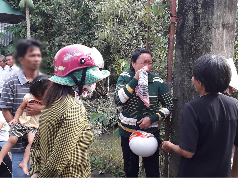 Vụ thảm án 3 người tử vong ở Tiền Giang: Cảnh sát phát hiện sợi dây dù tại hiện trường - Ảnh 2