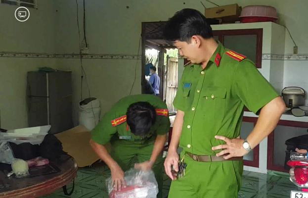 Vụ thảm án 3 người tử vong ở Tiền Giang: Cảnh sát phát hiện sợi dây dù tại hiện trường - Ảnh 1