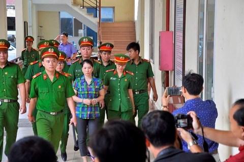 Truyền hình trực tuyến 63 tỉnh thành phiên xử vợ giết chồng, phân xác phi tang ở bãi rác - Ảnh 1