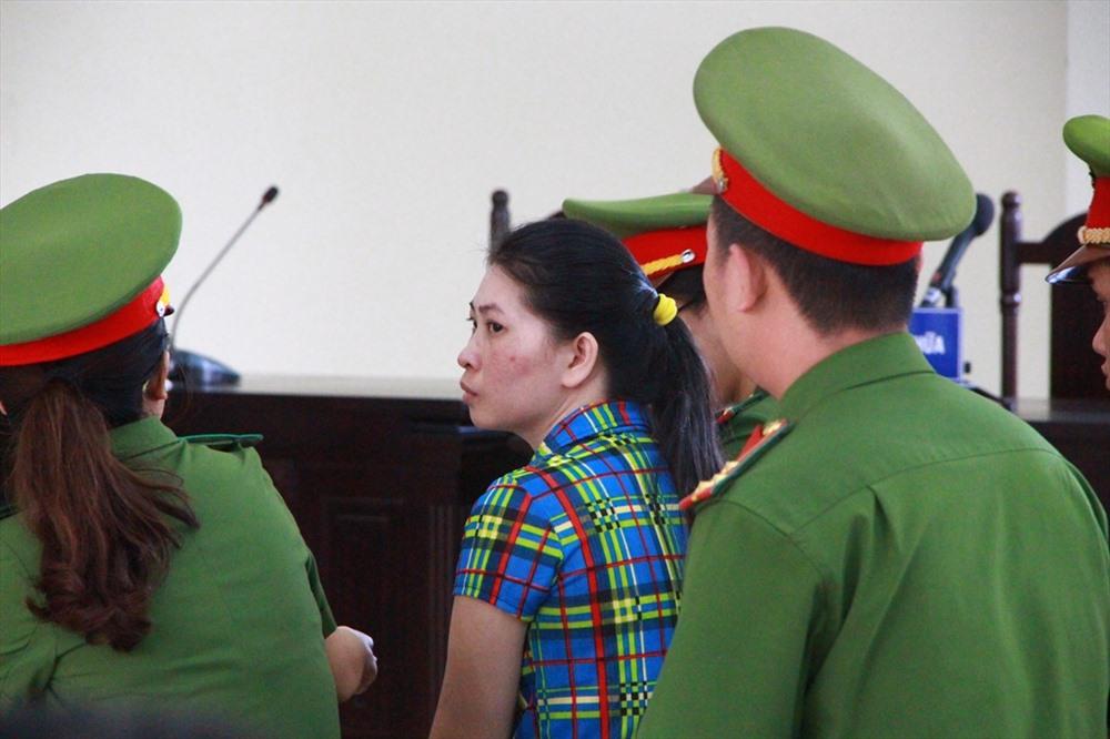 Truyền hình trực tuyến 63 tỉnh thành phiên xử vợ giết chồng, phân xác phi tang ở bãi rác - Ảnh 4