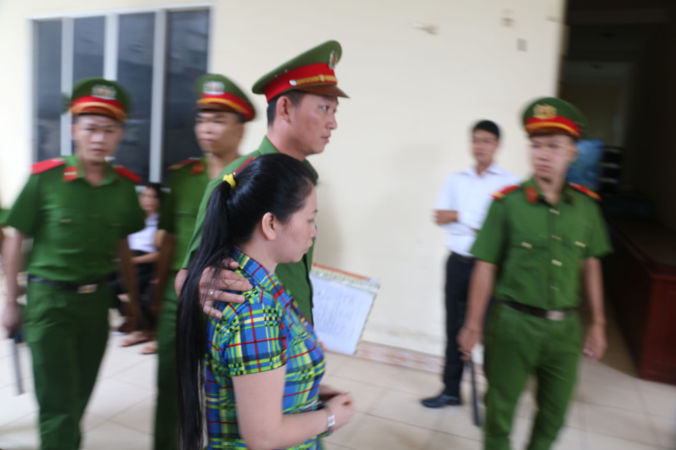 Truyền hình trực tuyến 63 tỉnh thành phiên xử vợ giết chồng, phân xác phi tang ở bãi rác - Ảnh 3