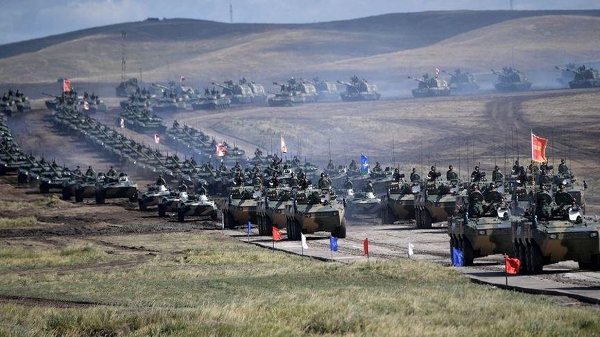 Tổng thống Putin thị sát cuộc tập trận lớn nhất lịch sử hiện đại của nước Nga - Ảnh 2
