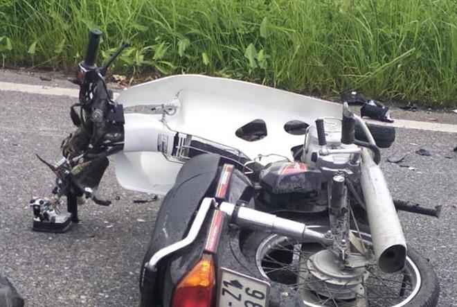 Tin tai nạn giao thông mới nhất ngày 20/9/2018: Đấu đầu xe khách, 2 thanh niên tử vong - Ảnh 1