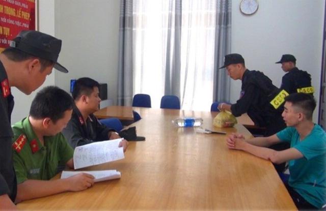 Tin tức pháp luật mới nhất ngày 25/9/2018: Giả danh phóng viên, rình quay phim CSGT để tống tiền - Ảnh 3
