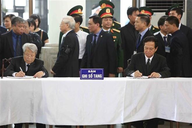 Lễ viếng Chủ tịch nước Trần Đại Quang - Ảnh 45