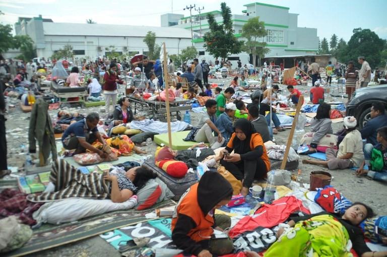 Hơn 400 người thương vong sau trận động đất, sóng thần kinh hoàng ở Indonesia - Ảnh 1