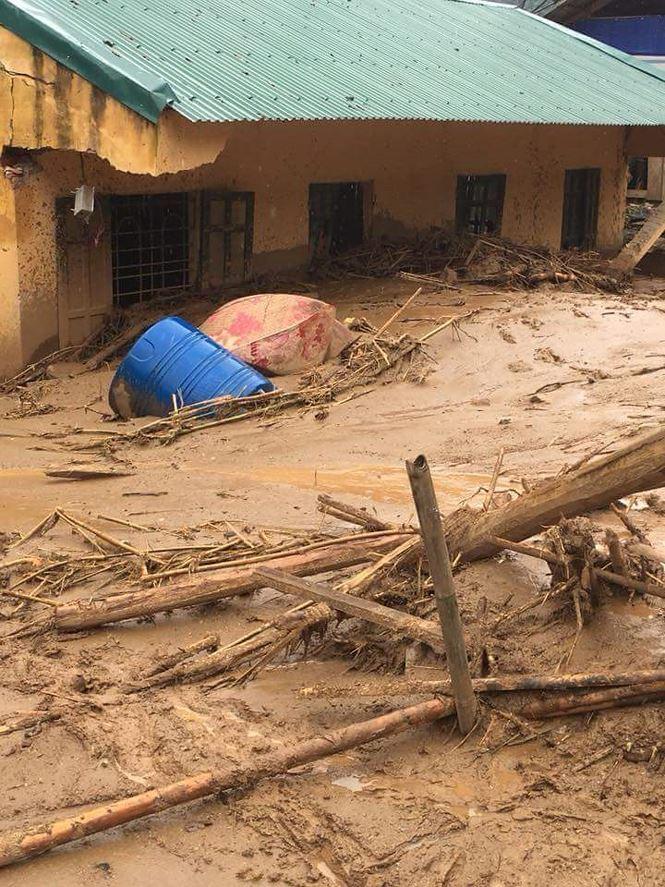Thanh Hóa: Xót xa cảnh mưa lũ tàn phá tan hoang ở Mường Lát - Ảnh 1