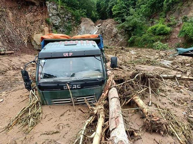 Thanh Hóa: Xót xa cảnh mưa lũ tàn phá tan hoang ở Mường Lát - Ảnh 2
