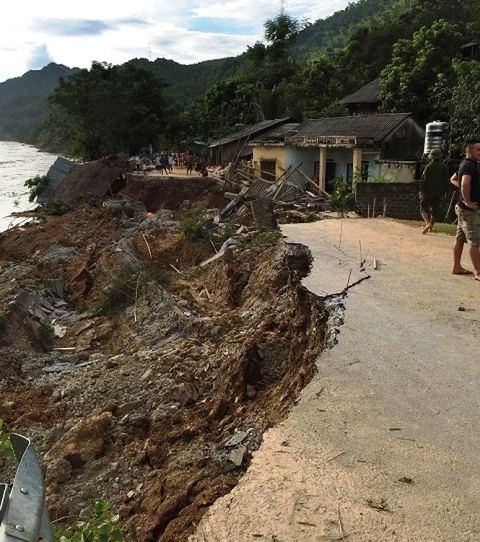 Thanh Hóa: Xót xa cảnh mưa lũ tàn phá tan hoang ở Mường Lát - Ảnh 4