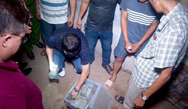 Vụ cướp ngân hàng ở Khánh Hòa: Nghi phạm lên kế hoạch trước 4 tháng, cả hai đều nghiện nặng - Ảnh 2