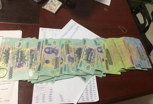 Tin tức pháp luật mới nhất ngày 15/1/2019: Bắt nghi phạm 20 tuổi cướp 40 triệu đồng trong 27 giây - Ảnh 2