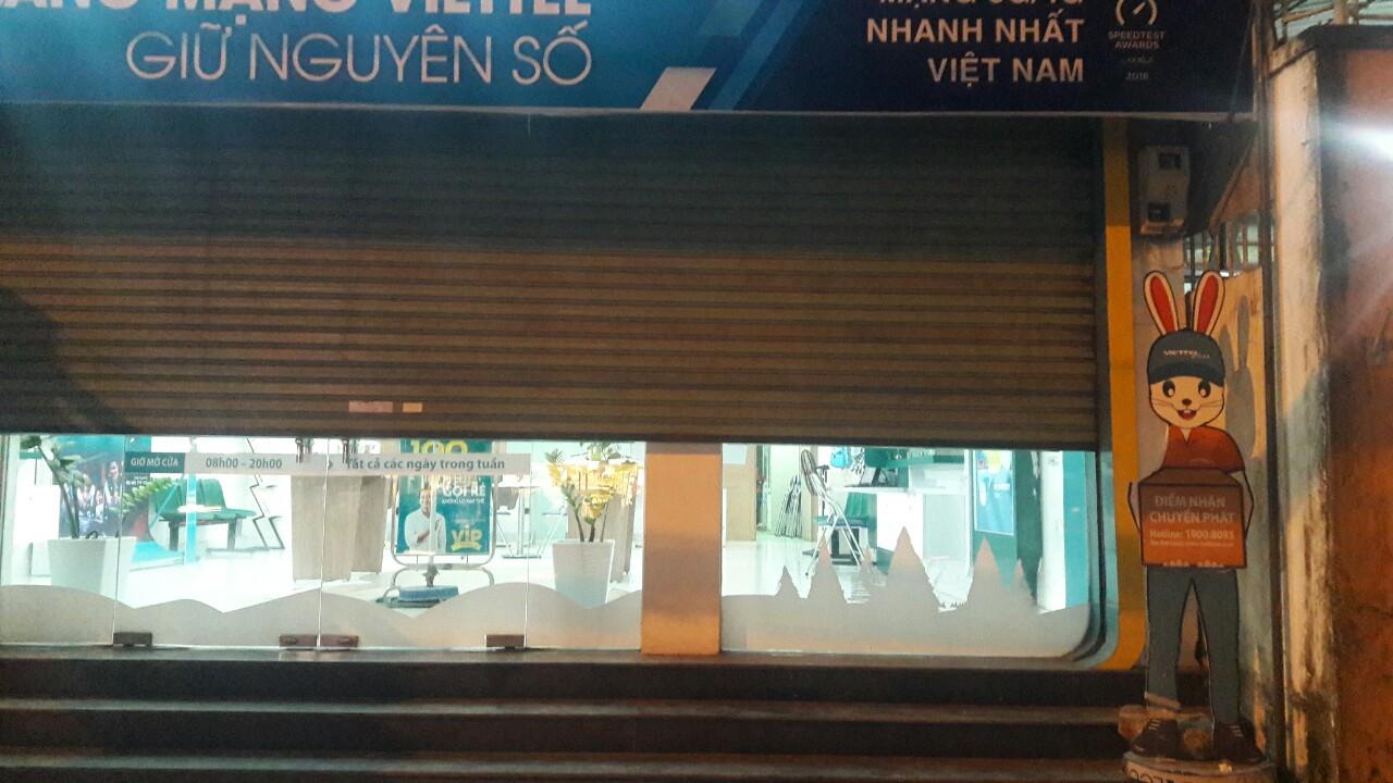 Lời khai nghi phạm cướp cửa hàng Viettel trong 27 giây: Nộp tiền lấy được vào thẻ ATM - Ảnh 2