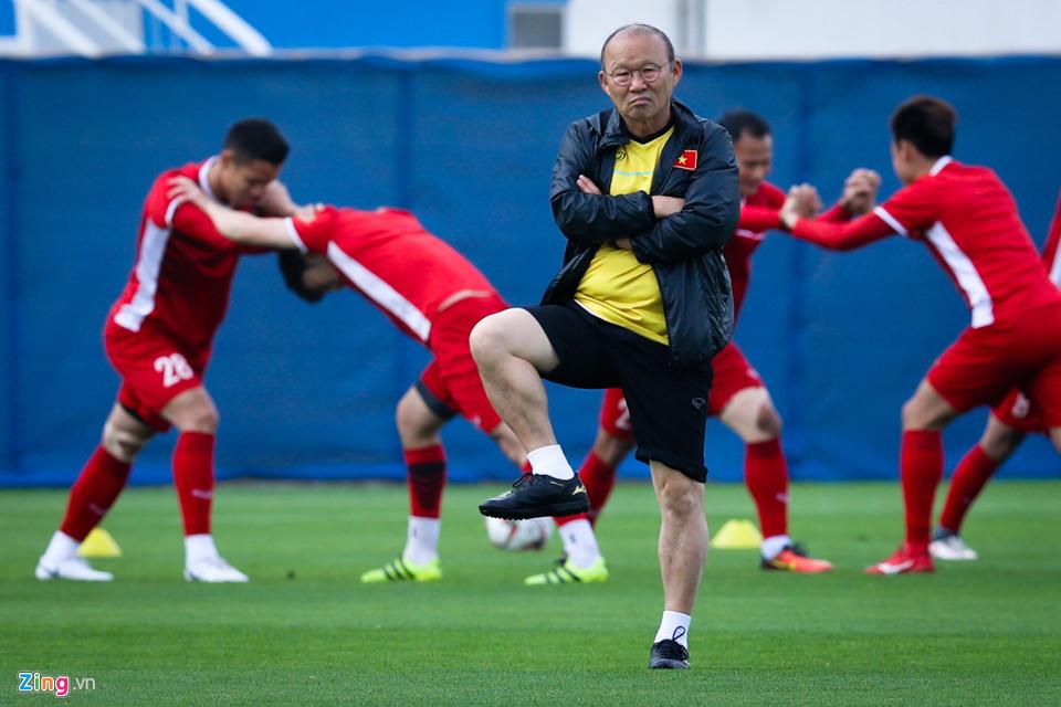 """Asian Cup 2019: Hành động """"lạ"""" của HLV Park Hang Seo trước """"đại chiến"""" Việt Nam - Jordan - Ảnh 3"""