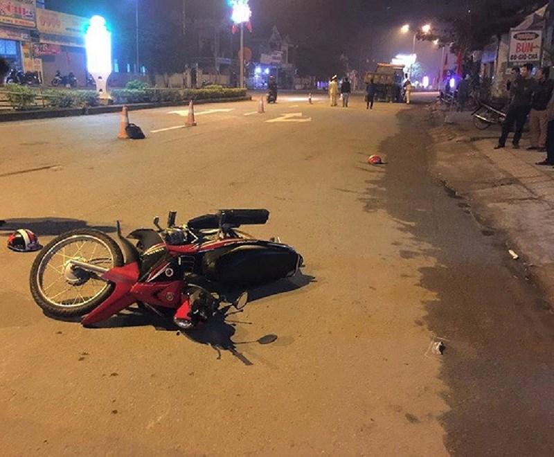 Tin tai nạn giao thông mới nhất ngày 29/1/2019: Cha trọng thương, 2 con nhỏ tử vong thương tâm sau tai nạn - Ảnh 1