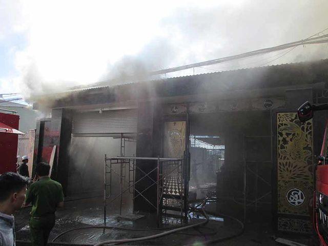 Tin tức pháp luật mới nhất ngày 30/1/2019: Nghi án mang xăng đến đốt nhà, 1 người tử vong - Ảnh 1