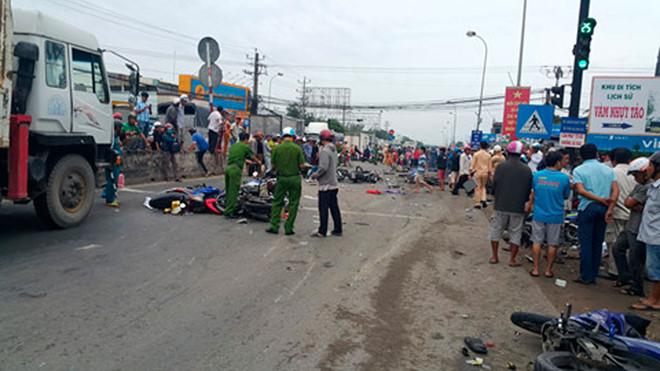 Chủ xe nói điều bất ngờ về tài xế container gây tai nạn kinh hoàng ở Long An - Ảnh 1