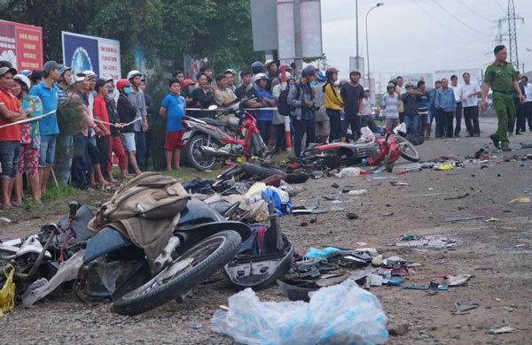 Vụ tai nạn thảm khốc ở Long An: Khởi tố vụ án, tạm giữ tài xế Phạm Thành Hiếu - Ảnh 1