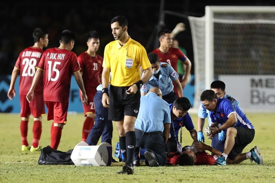 Asian Cup 2019:  Hé lộ nhân vật bí ẩn cầm còi trận mở màn của tuyển Việt Nam - Iraq - Ảnh 1