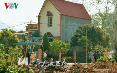 """Vụ thi thể trong bể cá ở Sơn La: Người tự sát bằng súng nằm trong """"sổ đen"""" của công an - Ảnh 1"""