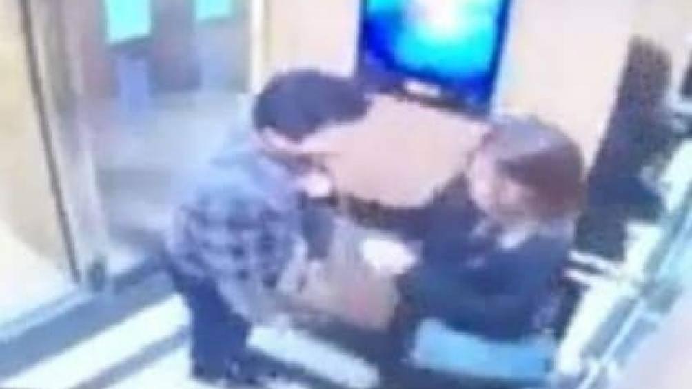 """Vụ cô gái bị sàm sỡ trong thang máy chung cư: """"Yêu râu xanh"""" tiếp tục """"mất tích"""" trong buổi hẹn xin lỗi - Ảnh 1"""